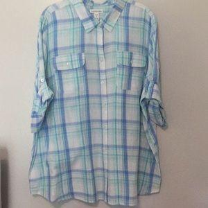 Ladies short sleeve button up shirt